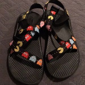 Kids size 5 fits women's 7 Pac-Man Chacos